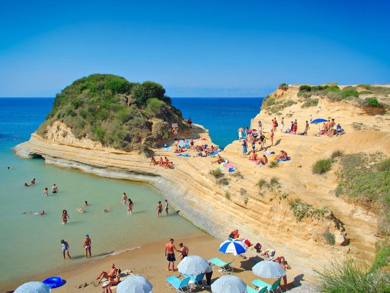 Пляж курорта Глифада