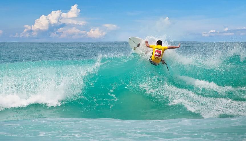 Волны на Пхукете летом