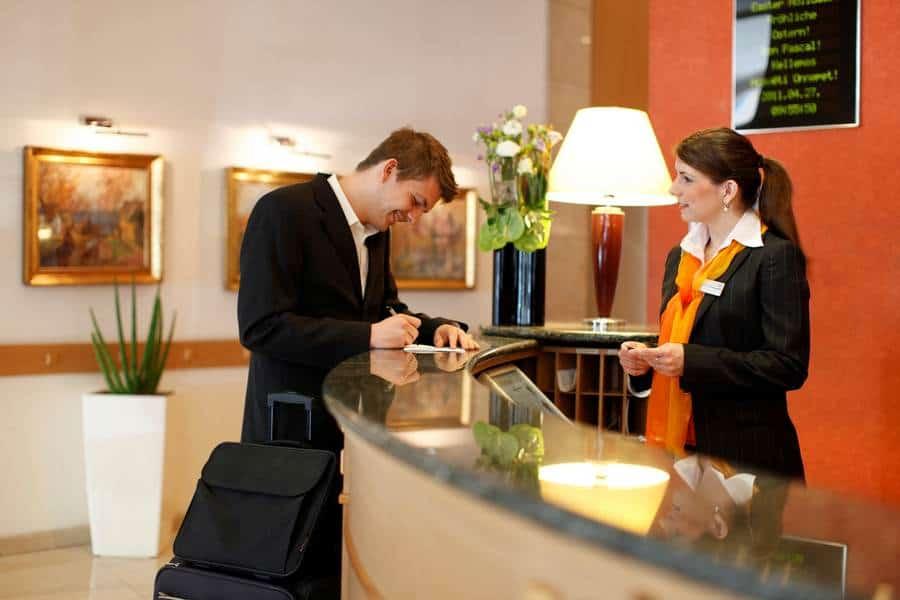 Ресепшн в гостинице