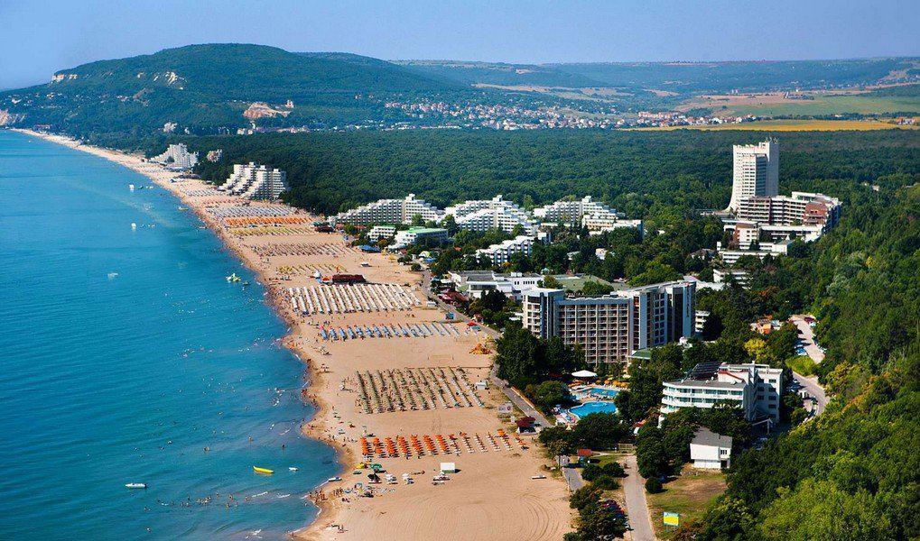 Широкие пляжи Албены
