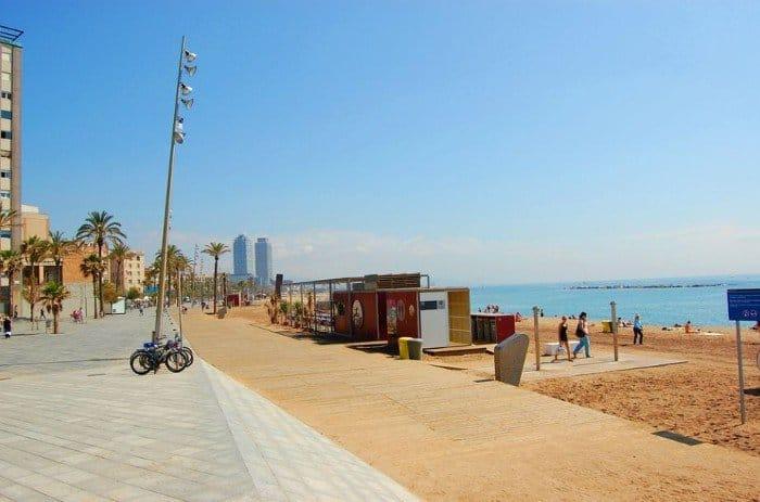 Прогулки вдоль моря