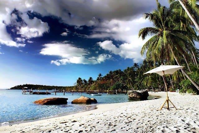 Пляж Тайланда в конце весны