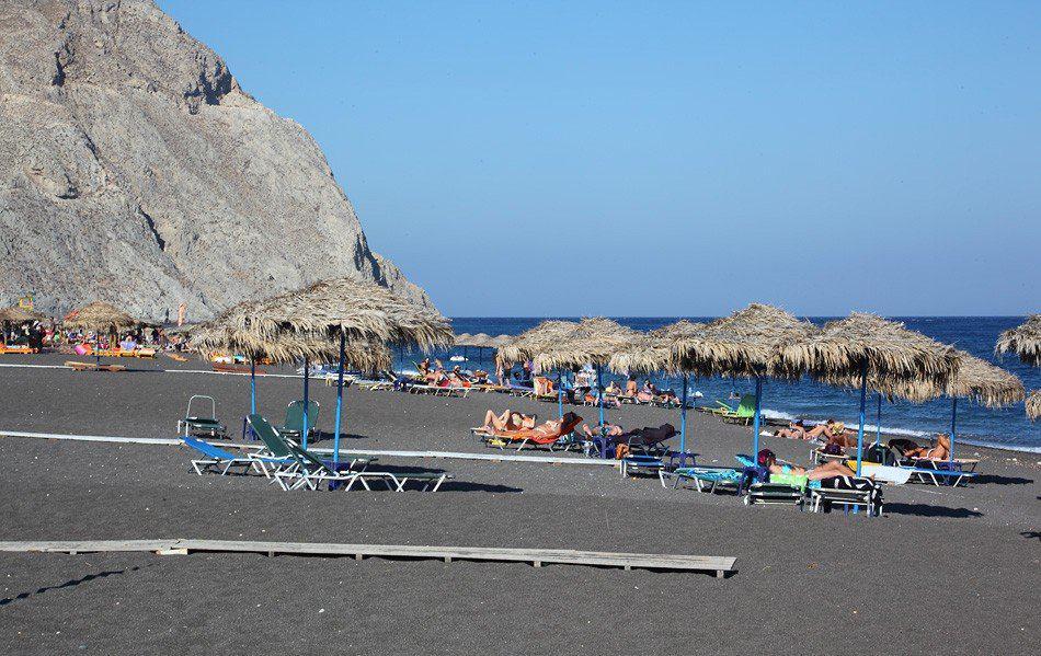 Сантории: черный пляж Перисса