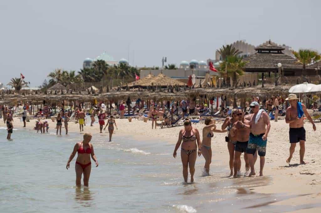Пляжи в Тунисе летом