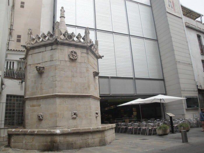 Старый фонтан Бланеса