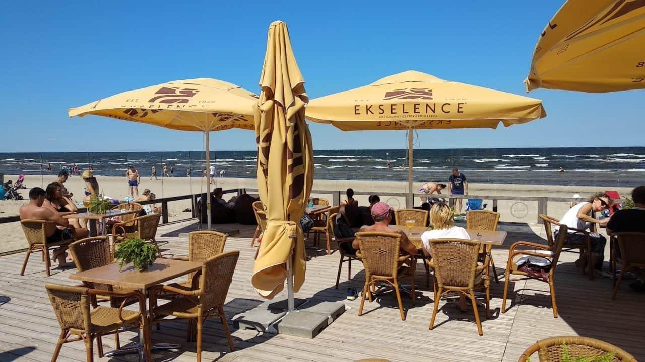 Ресторан на пляже в Юрмале