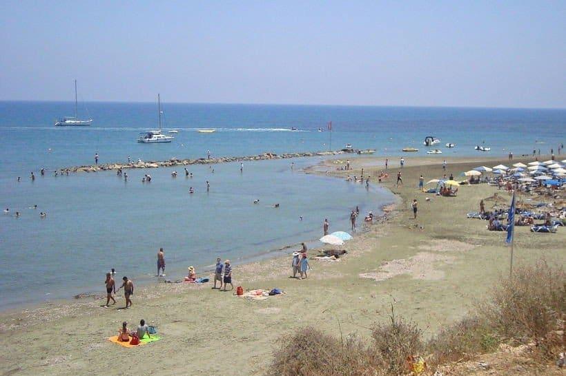 Ларнака. Пляж Фарос