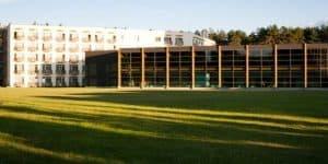 Процедурный комплекс и основное здание