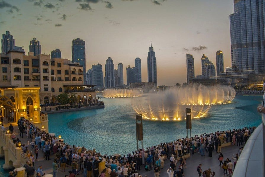 Шоу фонтанов в Дубаи