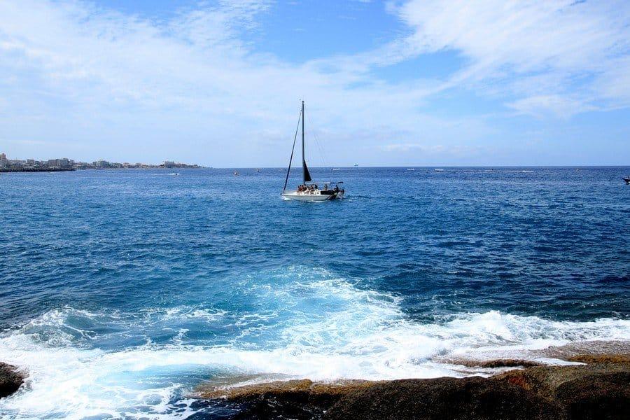Атлантический океан у берегов Коста Адехе