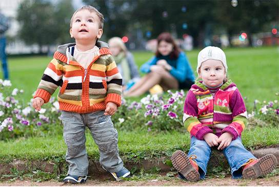 Дети в парке Вильнюса