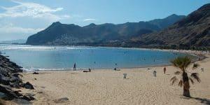 В марте немноголюдный пляж Эль Дюк