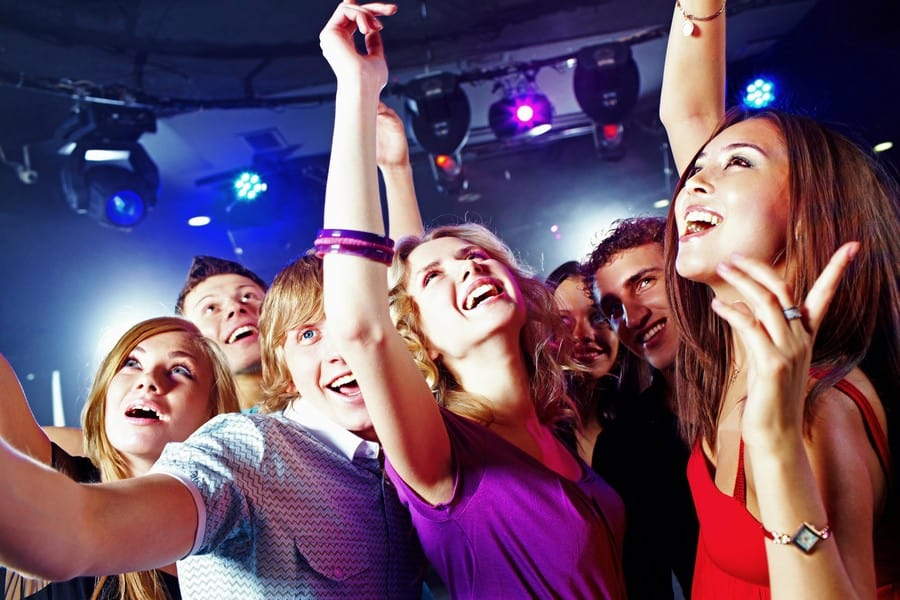 Песни ночного клуба а клуб в москве айкон цены