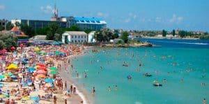 Центральный пляж поселка