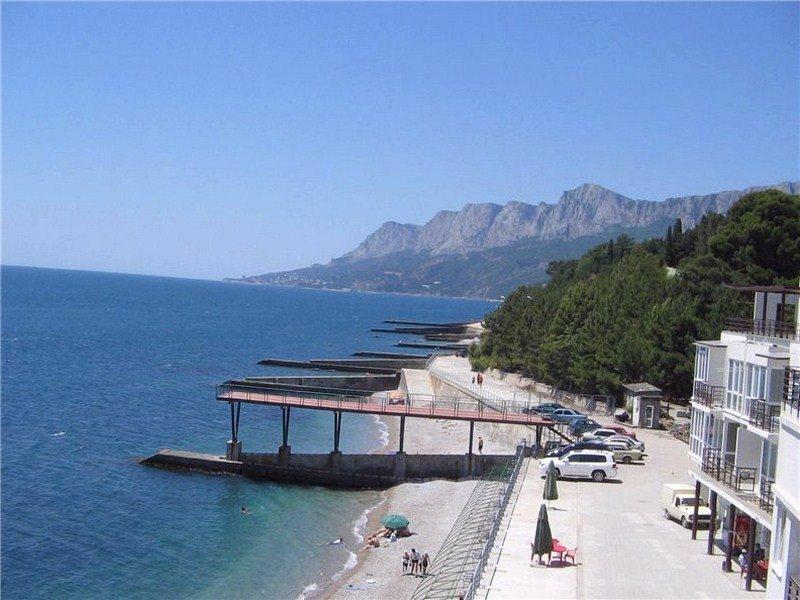 Пляж в поселке