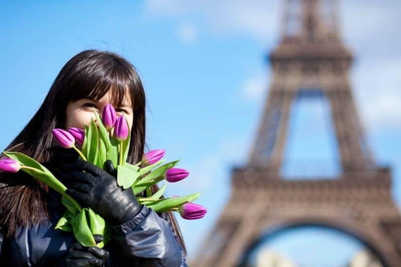 8 марта в Париже