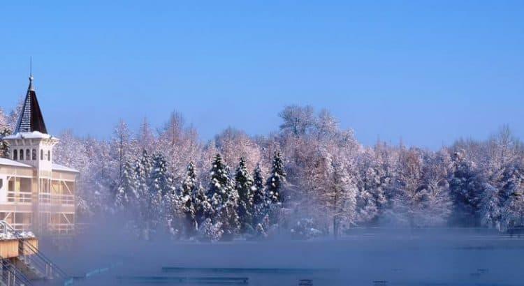 Озеро Хевиз зимой