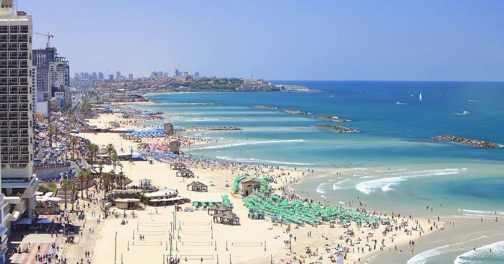Пляжи Израиля в августе