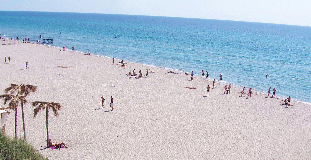 Широкие пляжи Евпатории