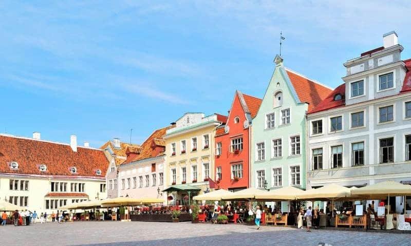 Уличные кафе старого города в Талинне