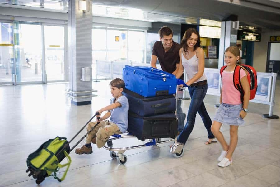Как экономить и путешествовать всей семьей