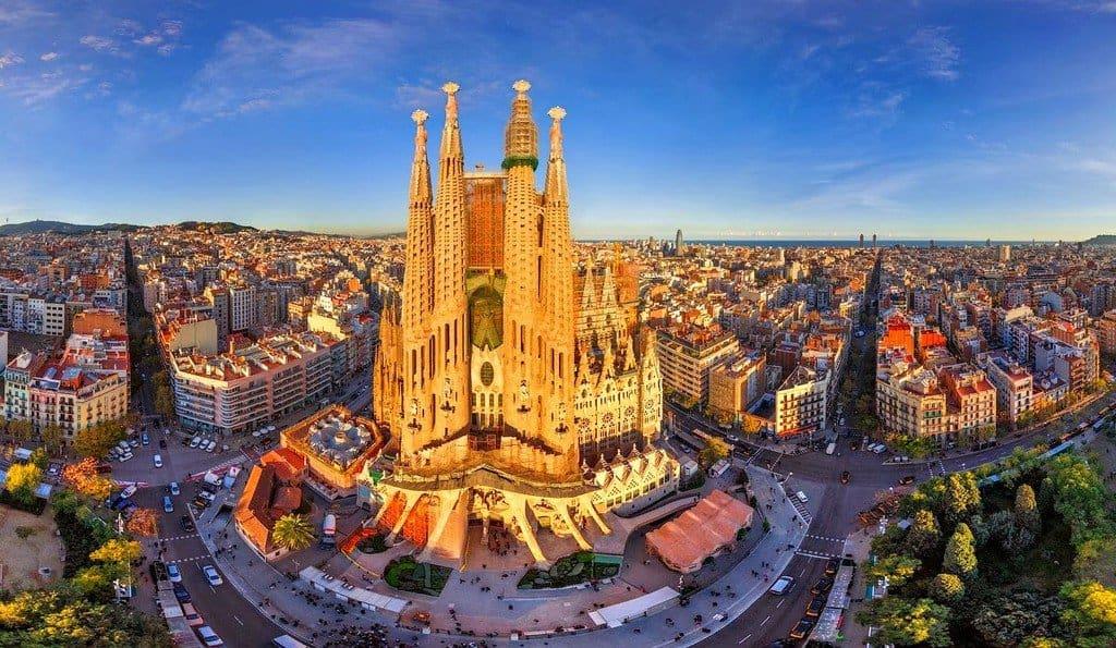 Храм в самом сердце Барселоны