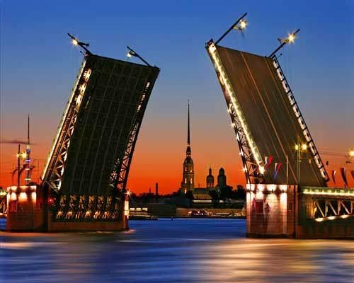 Разводные мосты в Санкт Петербурге на закате