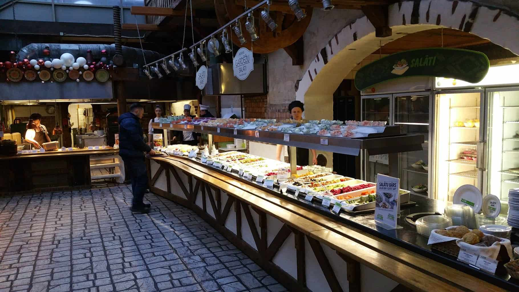 Салат бар в Лидо