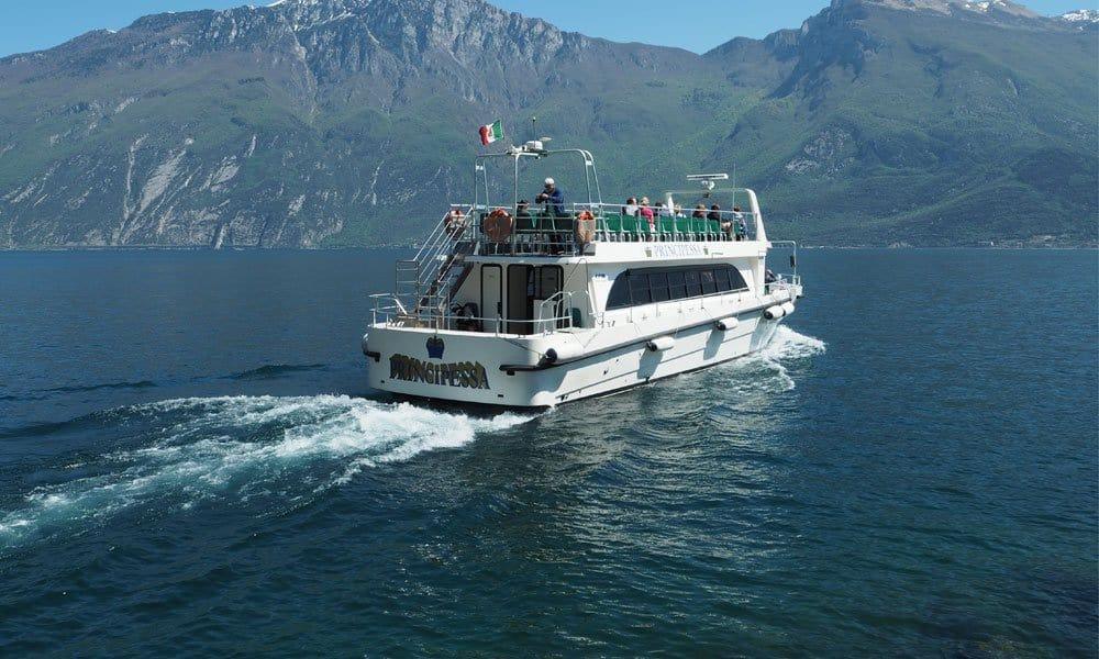 Путешествие на корабле по озеру Гарда