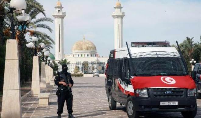 Чрезвычайное положение в Тунисе