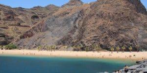 Скалы и Лас Тереситас с волнореза