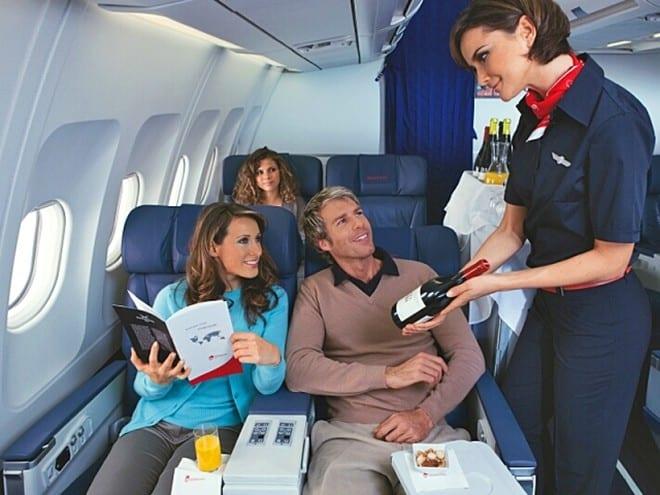 Алкоголь на борту самолета под запретом