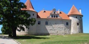 Замок в Бауска