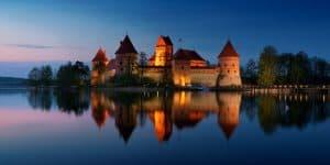 Тракайский замок вечером