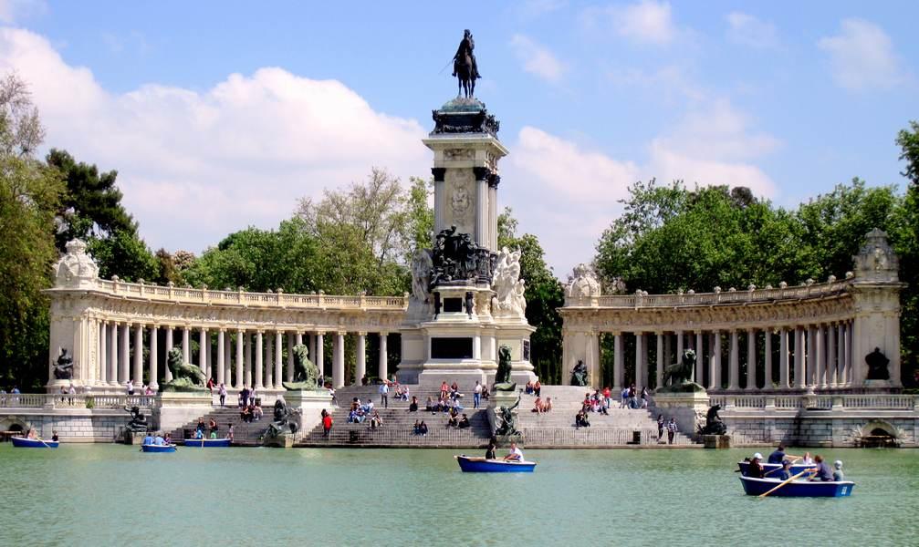 Парк Эль Ретиро в Мадриде