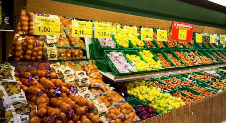 """Овощной прилавок в т/ц """"Mercadona"""""""