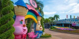 Красочный и веселый парк в Бангкоке