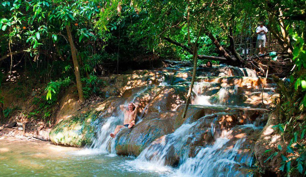 Горячий водопад