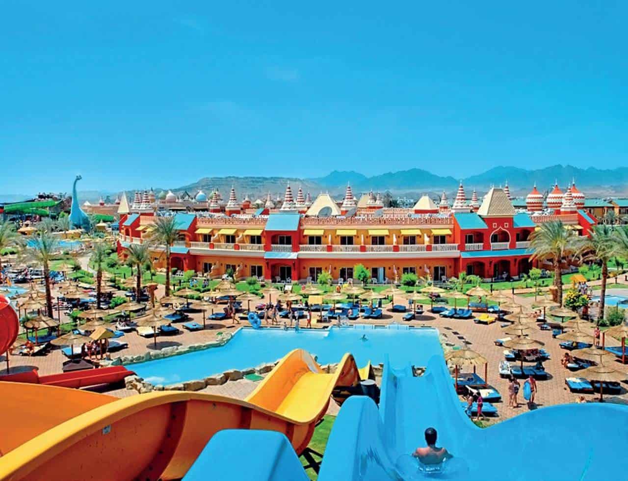 Большие горки в Aqua Blu Resort