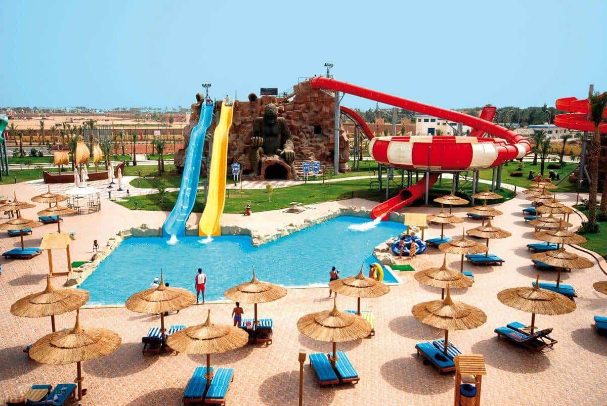 Бассейн в Aqua Blu Resort
