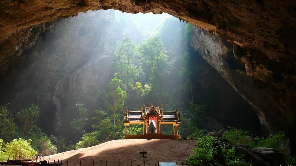 Пещера Sam Roi Yot Phraya Nakhon
