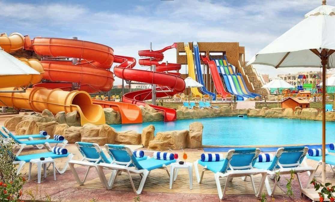 Водные атракционы в отеле Tirana Aqua Park