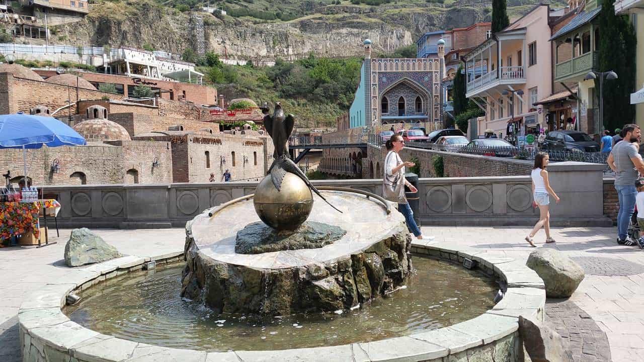Фазан и соколы - символы Тбилиси