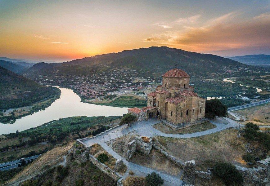 Вид на Мцхету с монастыря в Джвари