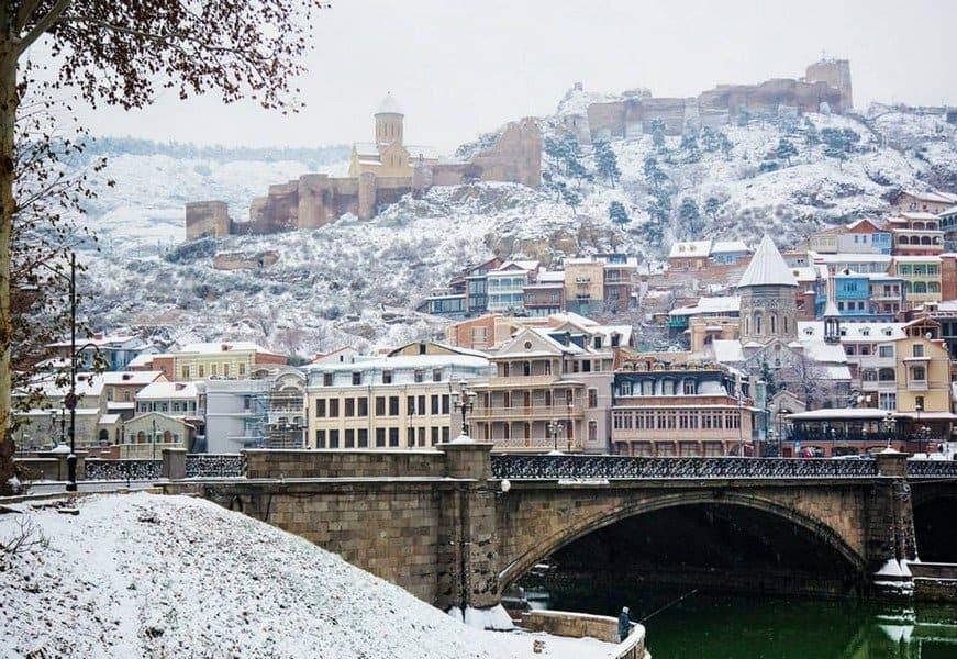 Снег в Тбилиси