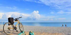 Прогулки на велосипеде вдоль моря