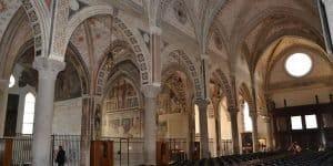 Внутри церкови