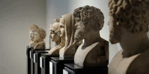 Экспонаты археологического музея в Неаполе