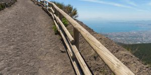 Пешеходная тропа к вулкану Везувий