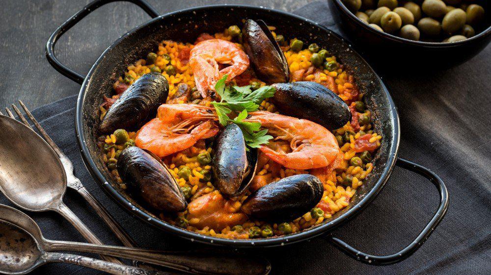 Паэлья - традиционное блюдо Валенсии и Каталонии